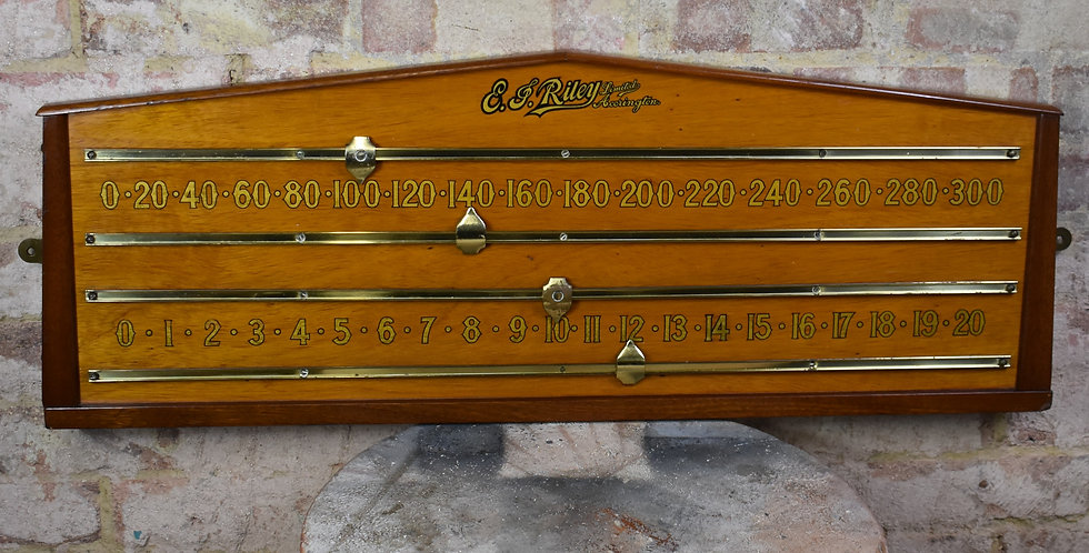 Antique Oak Riley Snooker Scoreboard Scorer