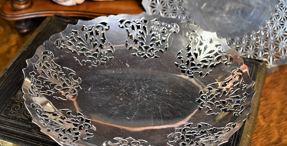 Antique 1938 Mappin & Webb Silver Plate Filigree Work Cake Dish Tray EPNS
