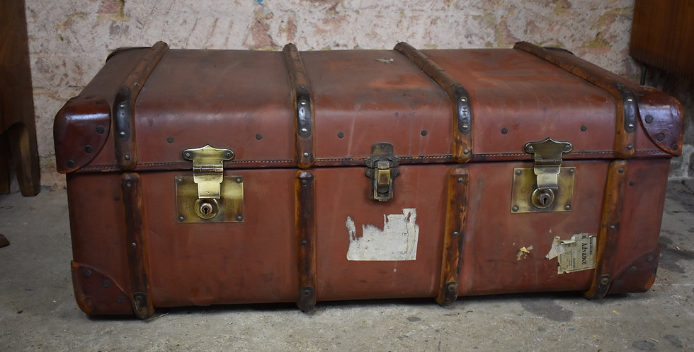 Vintage props leather travel trunk bentwood trunk