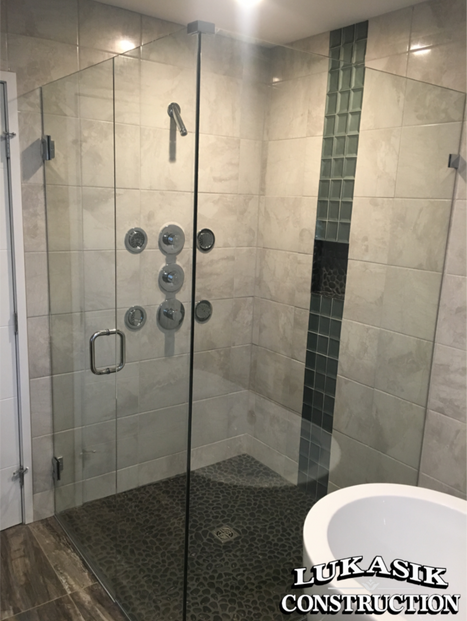 Bathrooms: Click the link below to see more!