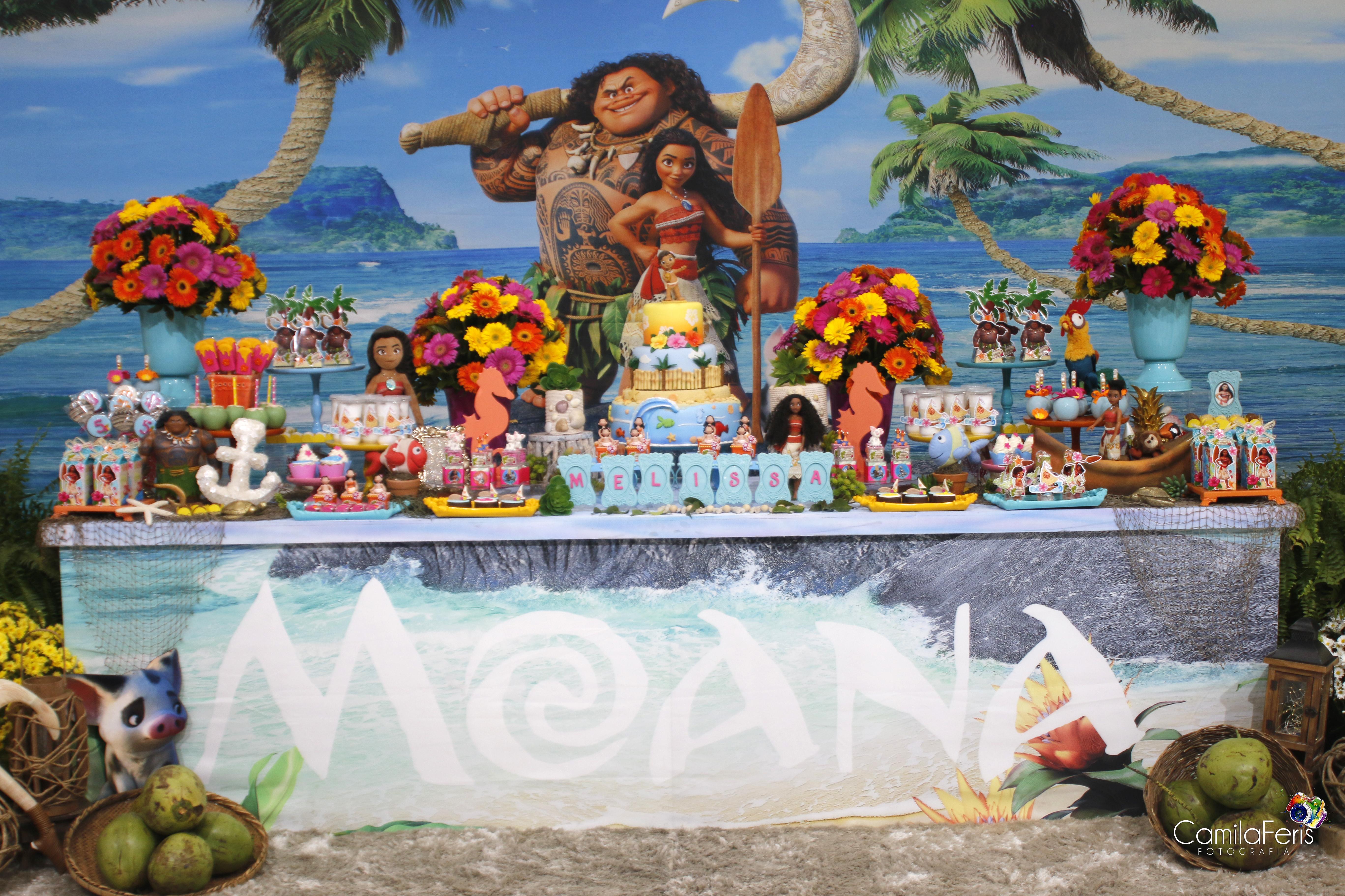 decoração festa moana.jpg