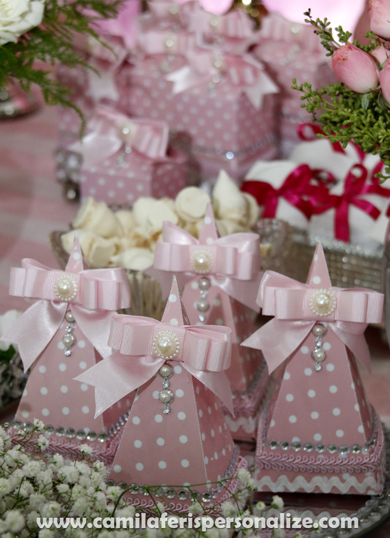 caixinha cone personalizada minnie rosa.jpg