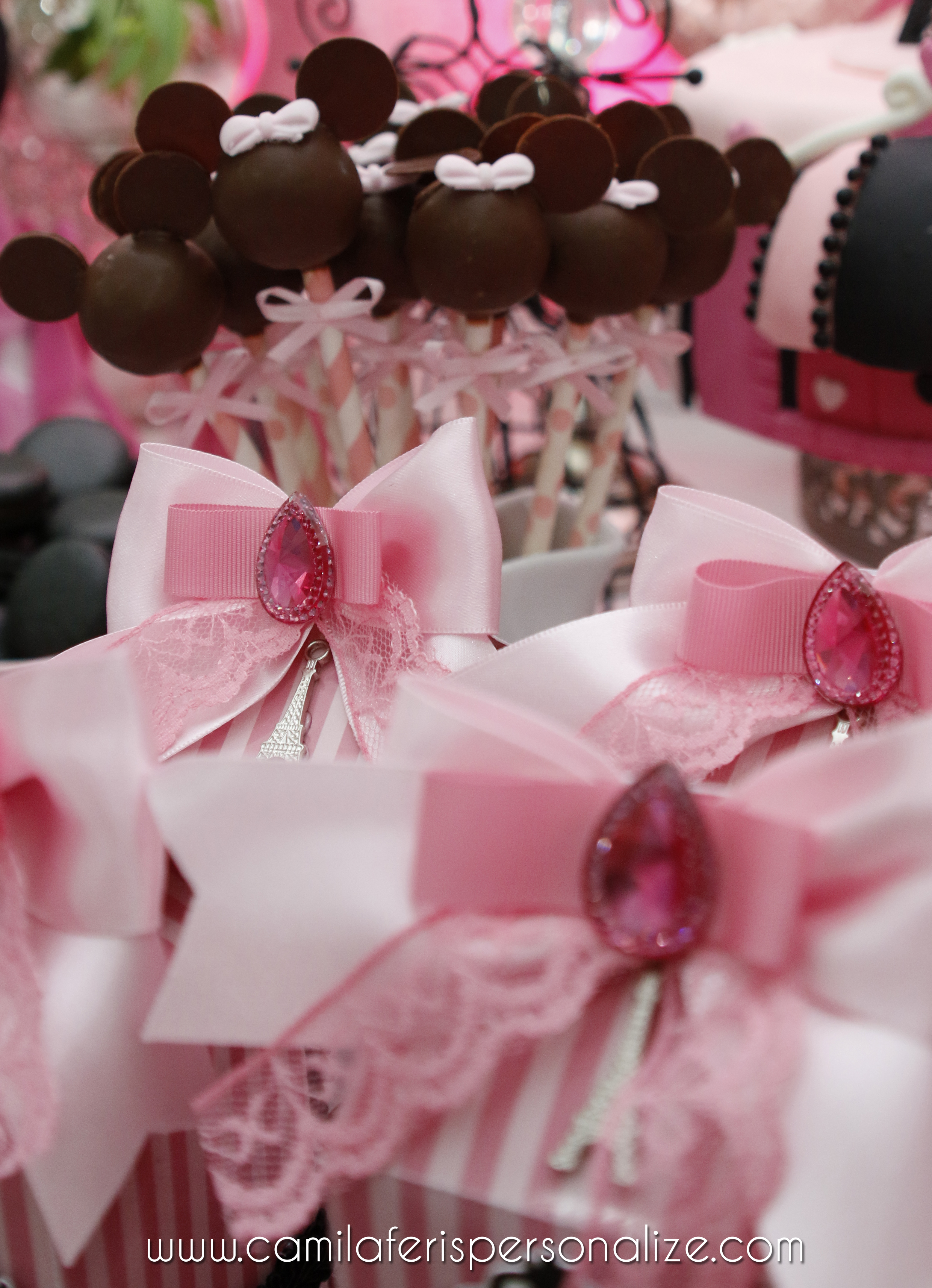 cake pop minnie.jpg