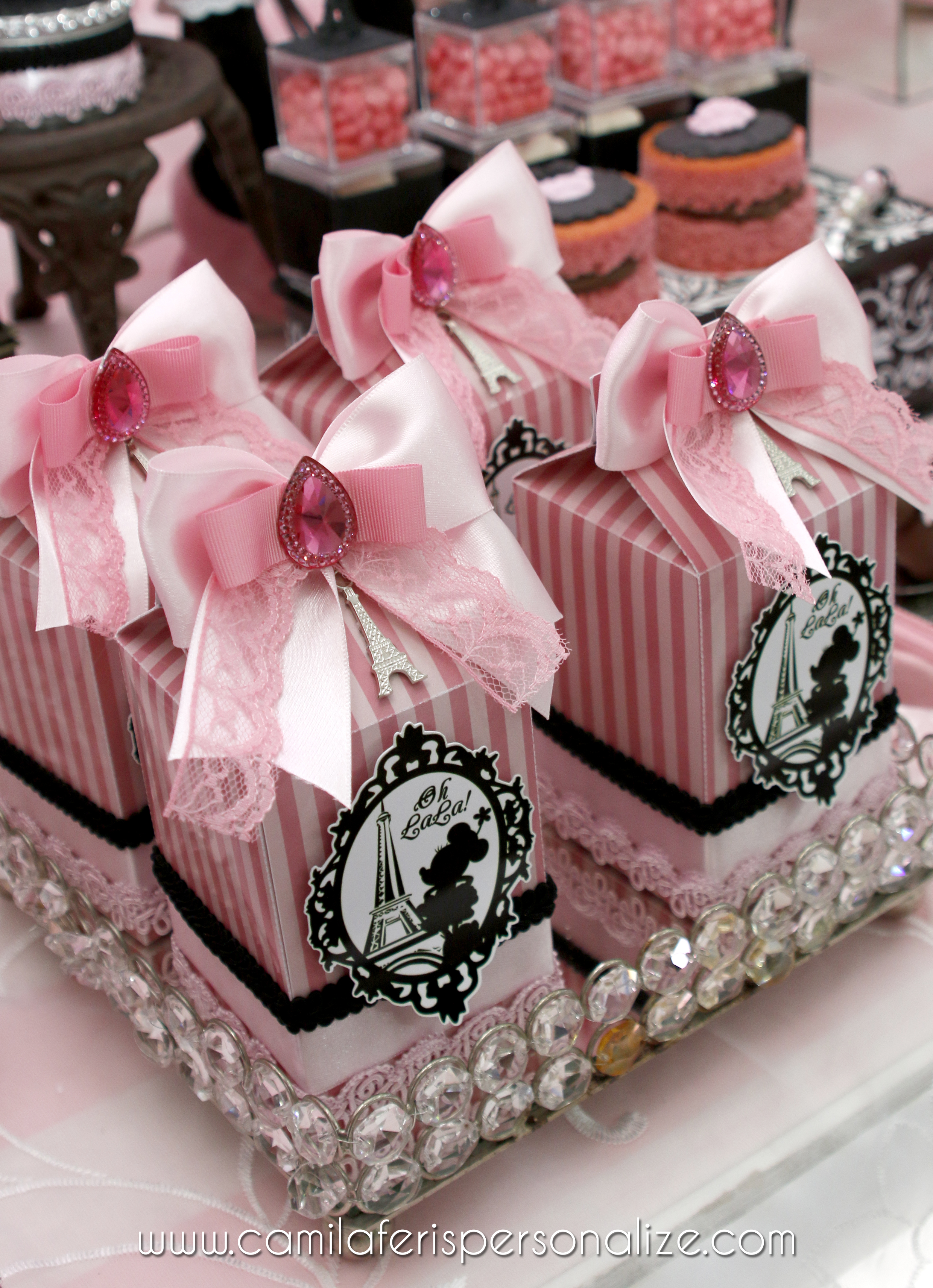 caixa milk minnie rosa.jpg