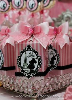 caixa milk minnie luxo.jpg