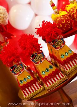 caixa cone circo luxo.jpg
