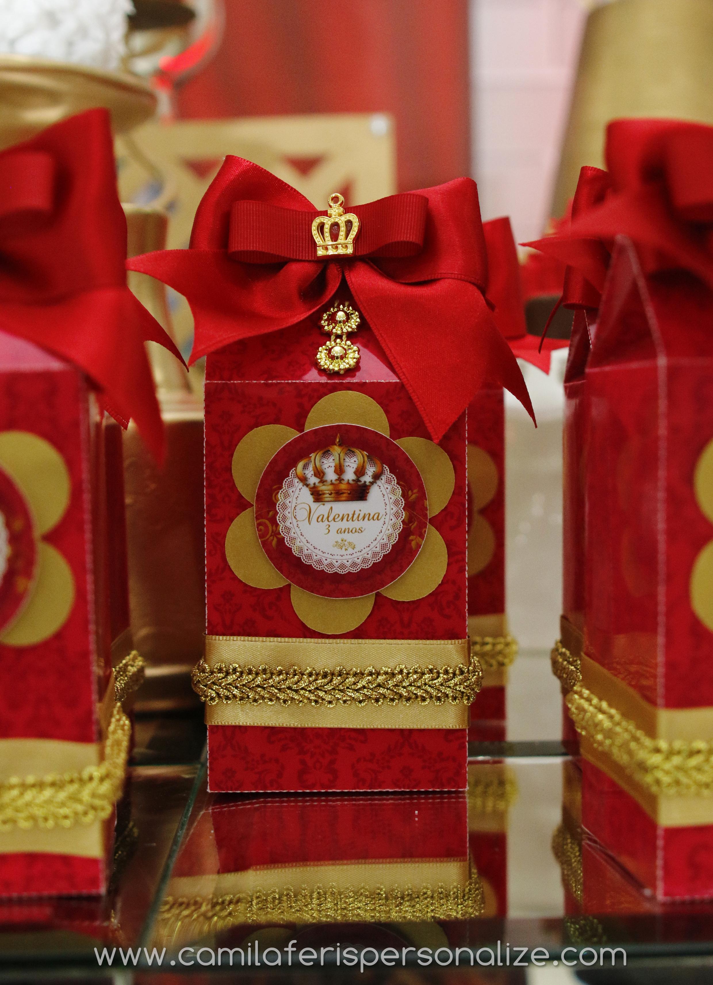 caixa luxo vermelha e dourado.jpg