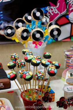 CAKE POP ANOS 80.jpg