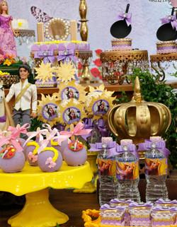 festa rapunzel personalizada.jpg