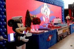 festa luxo mickey cruise line disney.jpg