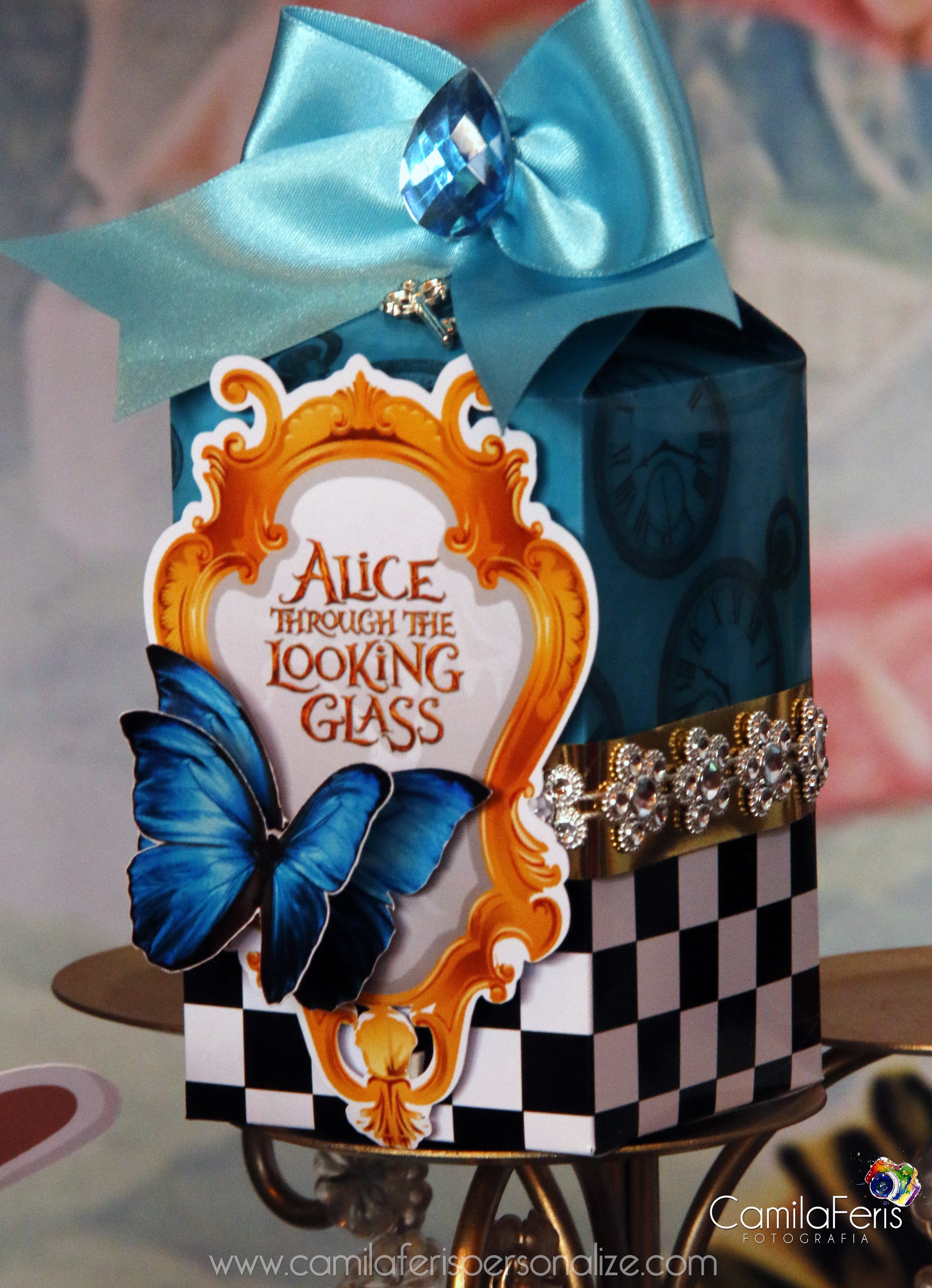 caixa luxo alice atraves do espelho.jpg