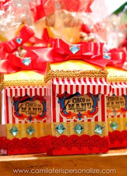 caixa milk circo vintage.jpg