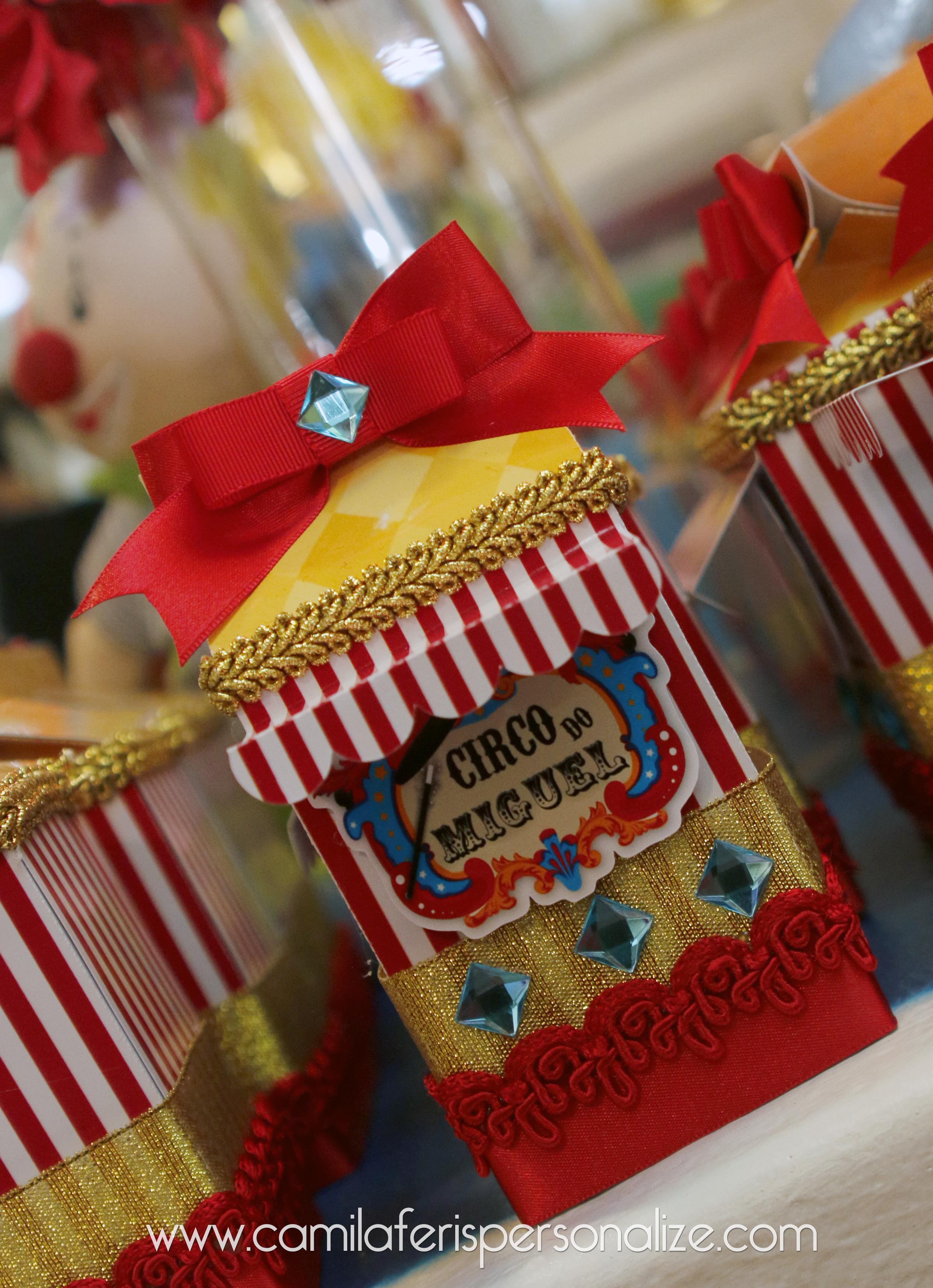 caixa milk circo luxo.jpg
