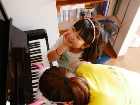 ピアノやバイオリンもお子様入門編ならアマ交響楽団員が時間があればレッスン可能です