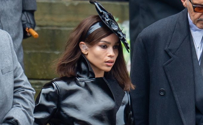 Zoe Kravitz foi vista no set de Batman pela primeira vez vestida como Selina Kyle / Mulher-Gato!