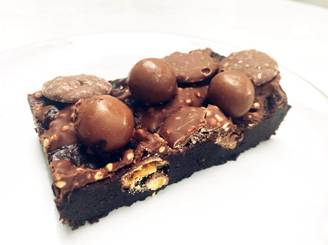Malteser Brownie Scrumptiousbylucy.jpg