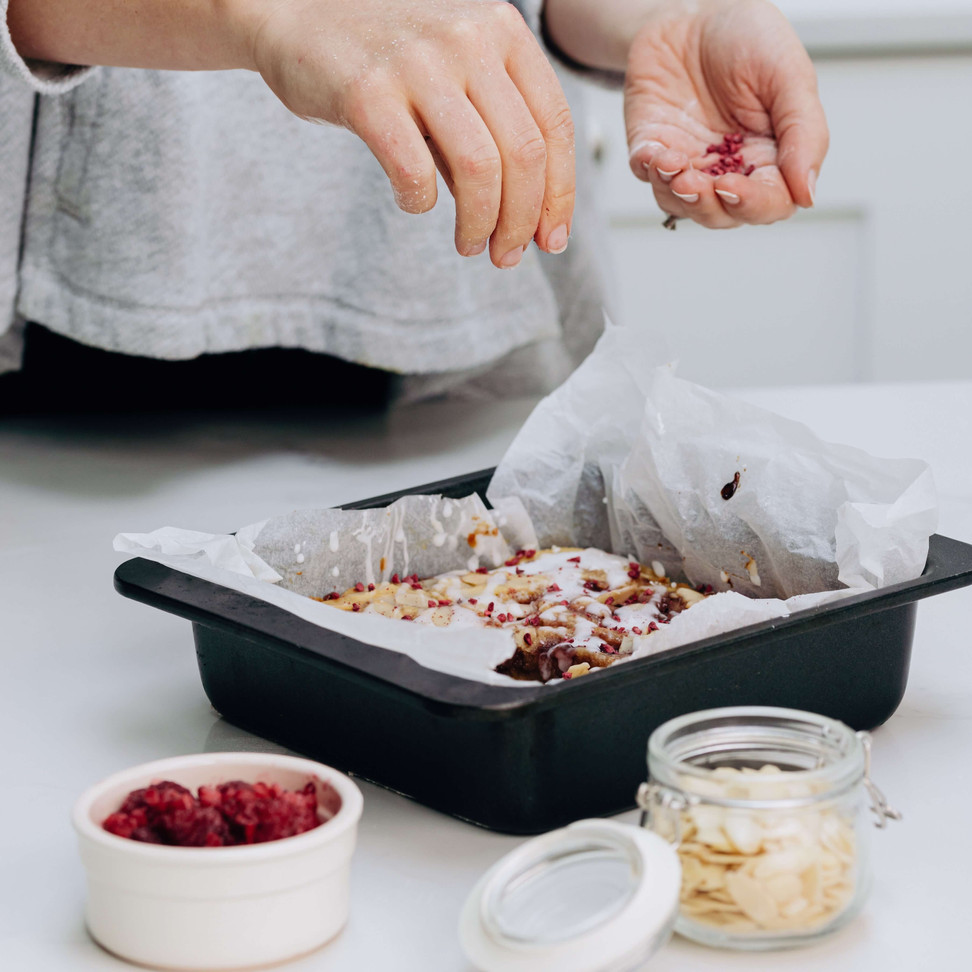 Bakewell Blondie sprinkling raspberry topping