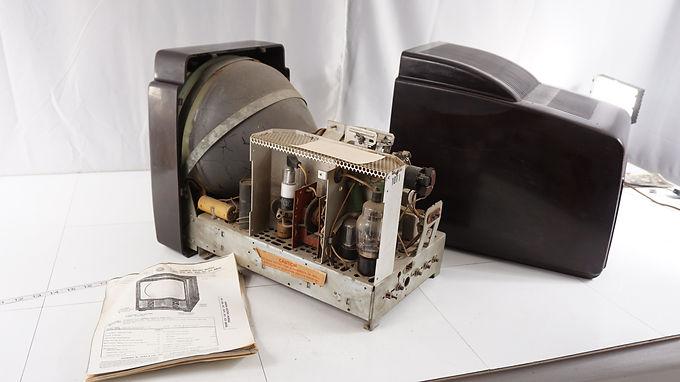 1949 General Electric 10in T V - Model 805