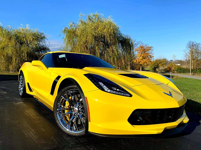 yellow vette.jpg