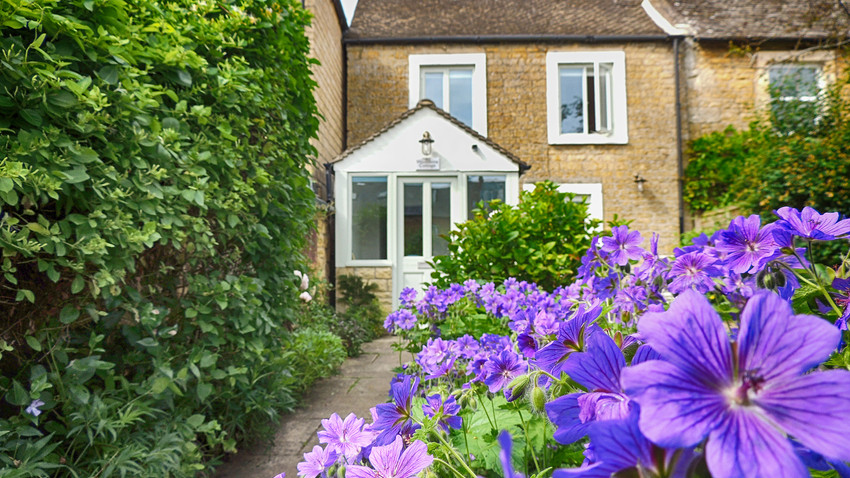 Woodbine Cottage at Bourton-on-the-Water, Cotswolds Holidays