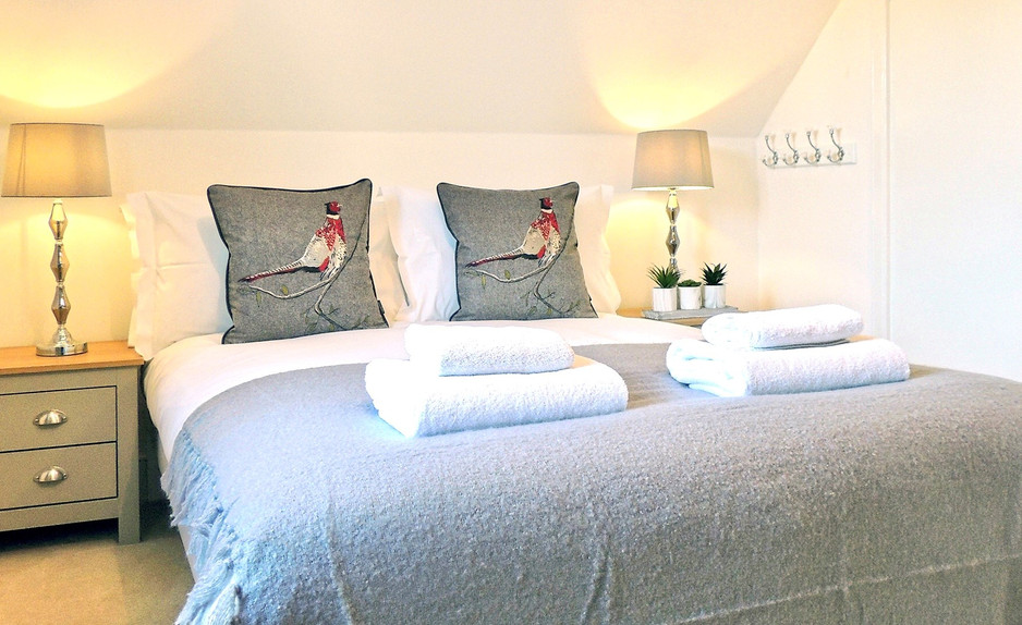 Magnolia Cottage at Moreton-in-the-Marsh, Cotswolds Holidays