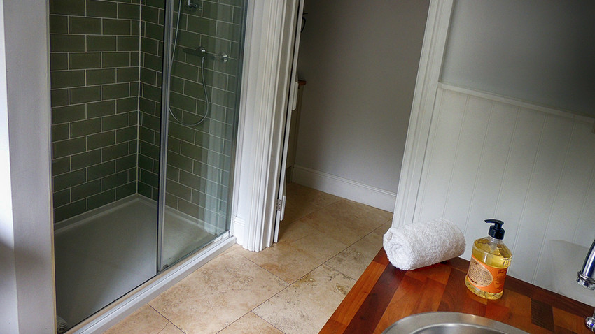 Bathroom at Rathbone Cottage in Stow-on-the-Wold, Cotswolds Holidays