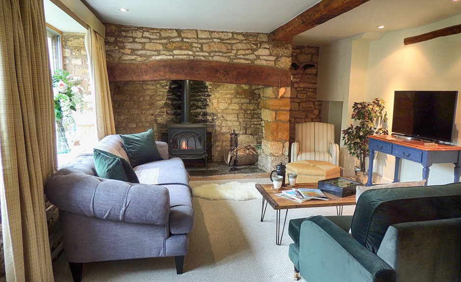 Living room in Century House - Cotswold Holidays