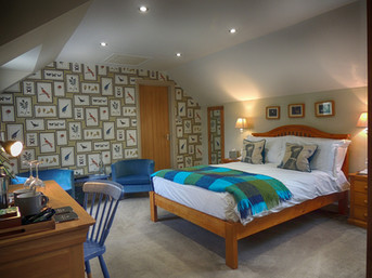 Individually decorated guest rooms