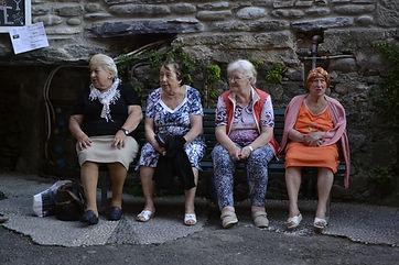 4 italian ladies cinqetera.JPG