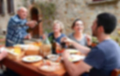 Italian-family-696x445.jpg