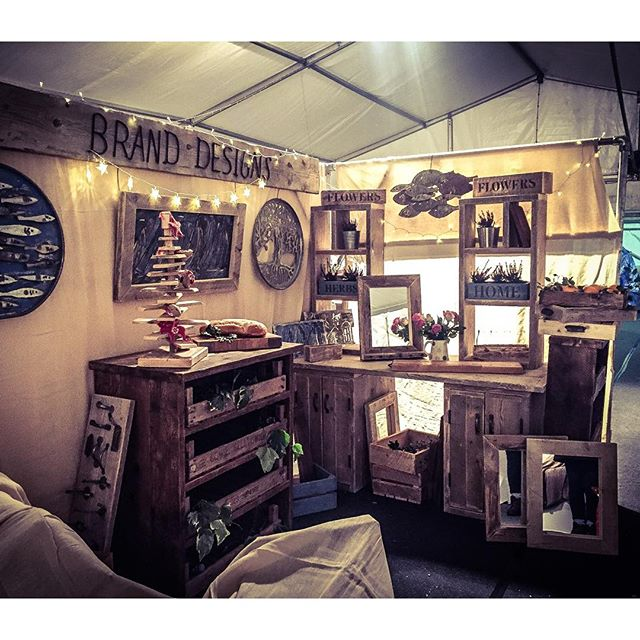#Christmas #fair stand is starting to take shape at _hatfield_house #frostfair #upcycle #interiordes
