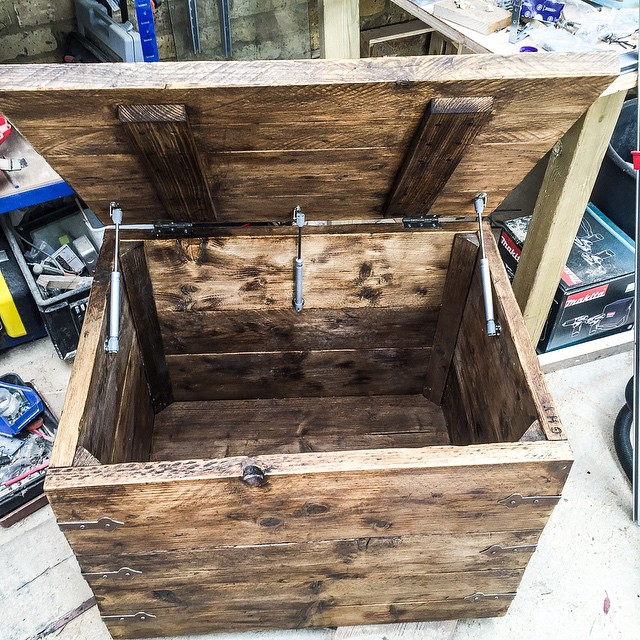 #upcycled #scaffold #trunk with cast iron brackets and gas strut dampers to save fingers #reclaim #i