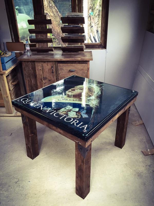 queen victoria table