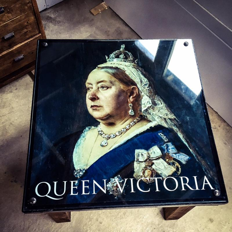 queen victoria table 2