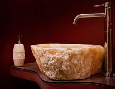 Lavandino in marmo onice lavorato a mano