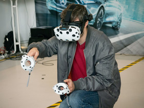 Emerging Business Opportunities in Virtual Reality.jpg