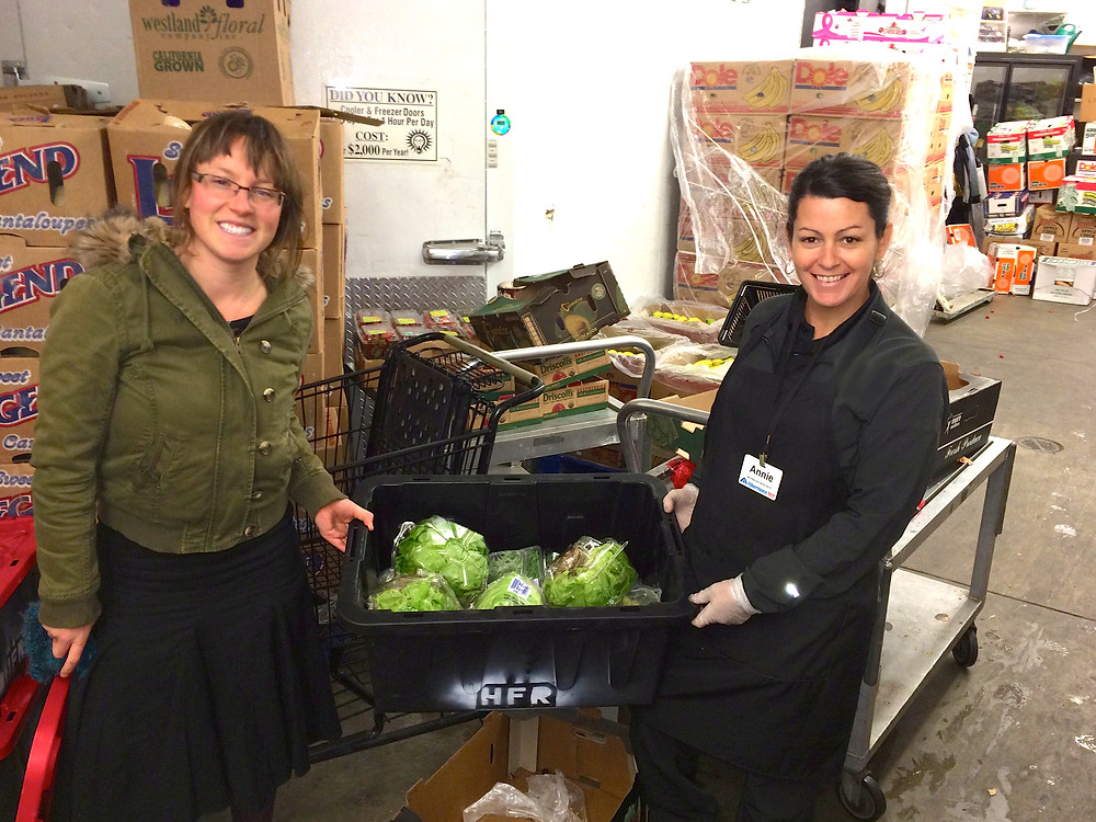 Albertson's donates food to Hole Food Rescue