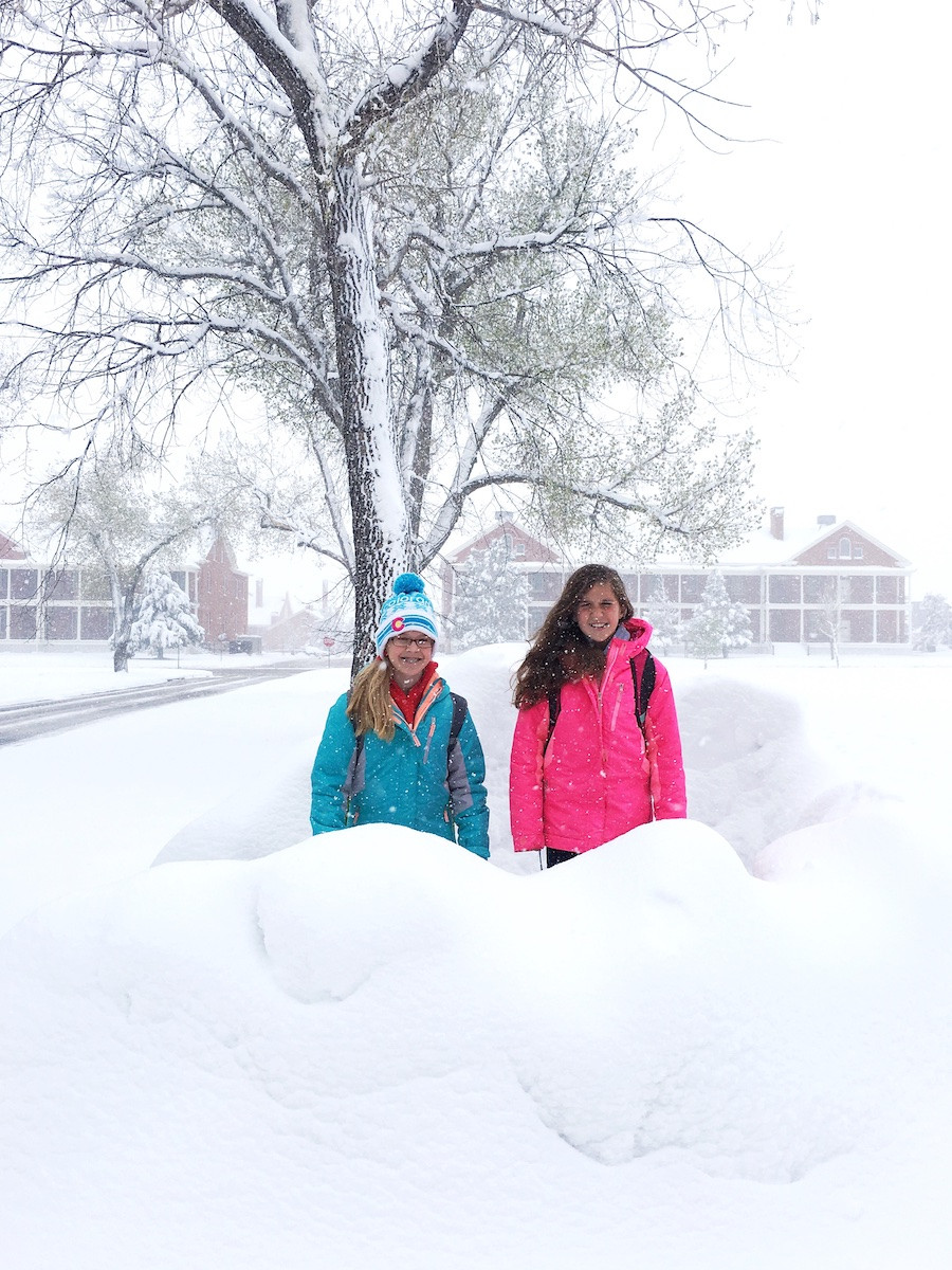 tough Wyoming kids in the snow