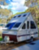 caravan-1468410_1920.jpg