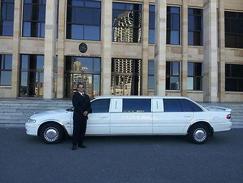 limousine-601462_1920.jpg