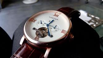 wristwatch-4348051_1920.jpg