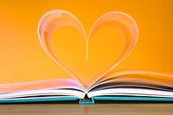 book-748904_1920.jpg