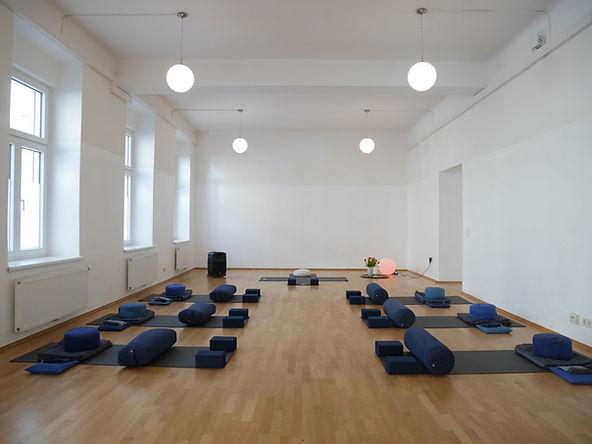 being YOGA, being yoga graz, Yoga, Yoga Graz, TriYoga, Triyoga Graz, Yoga Weiz, Yoga Yucca Valley, Heike Binder Altziebler, Heike Binder, Graz, Weiz,