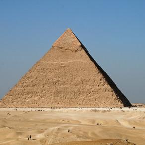 La controverse sur la révélation des pyramides
