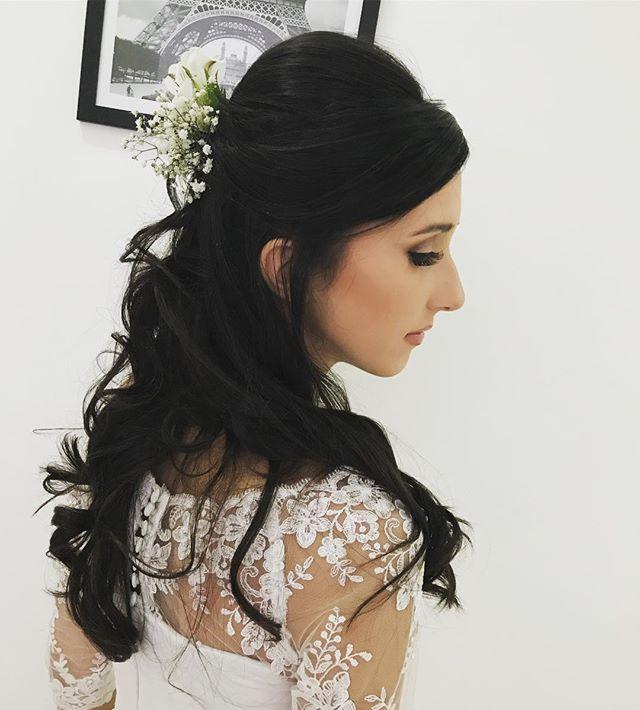 Noivinha de hj Bárbara 💕👰🏼💐_#maquiag