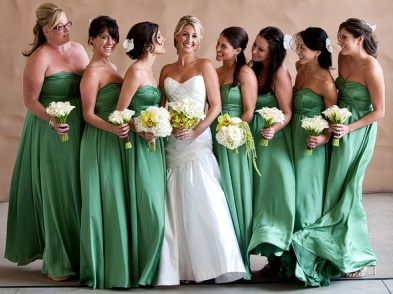 Vestidos-de-madrinha-de-casamento-iguais-cor-verde.jpg