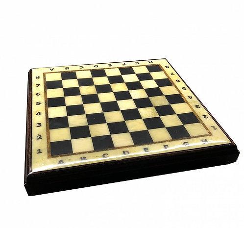 Шахматная коробка с доской малая (дуб) 27*27