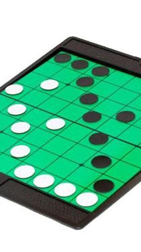 Дорожная игра «Реверси» на магнитах