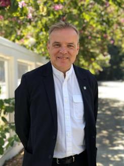 Arnett Edwards
