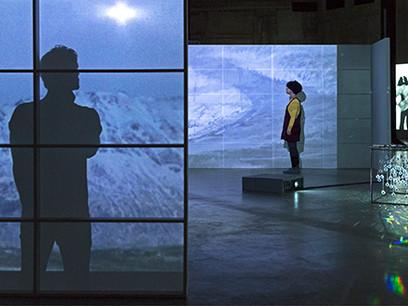 جُن جُنِس: آینههای تودرتو